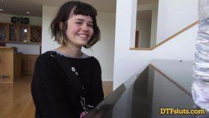 ดูหนังโป๊ออนไลน์ YHIVI SHOWS OFF PIANO SKILLS FOLLOWED BY ROUGH SEX AND CUM OVER HER FACE