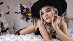 ดูหนังโป๊ออนไลน์ Cute Horny Witch Gets Facial and Swallows Cum – Eva Elfie