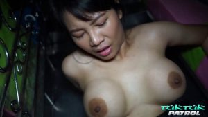 ดูหนังโป๊ออนไลน์ TukTukPatrol Big Tit Thai Babe Picked UP & Fucked Silly